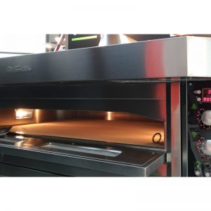 Cuptor electric pizza Black line, o camera